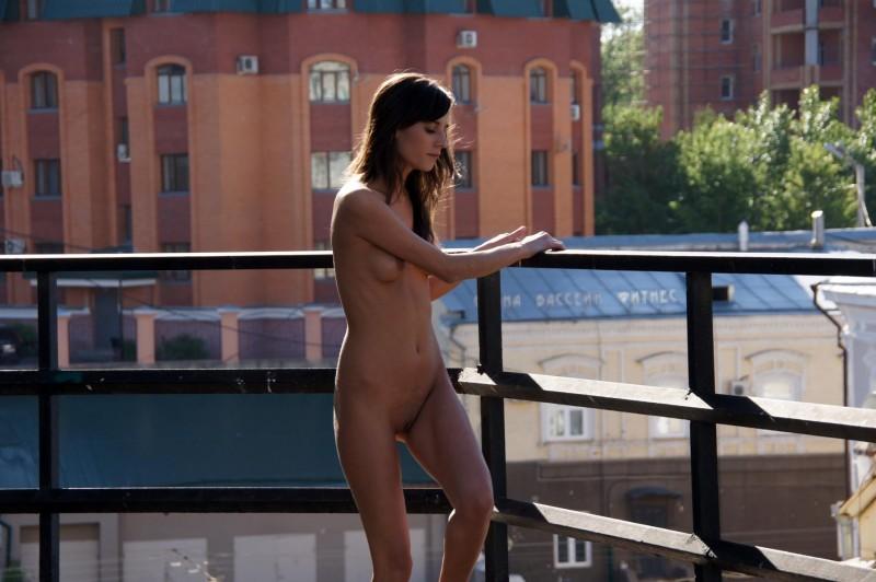 irina-k-naked-in-public-russia-kazan-19