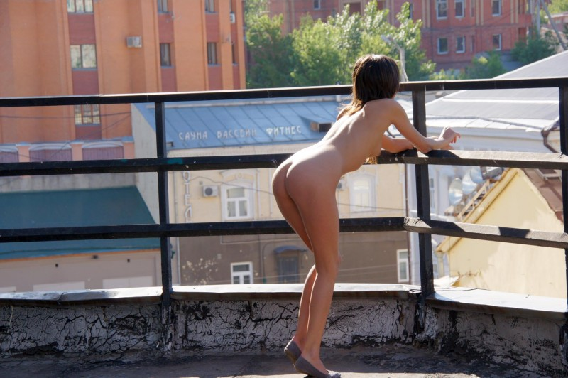 irina-k-naked-in-public-russia-kazan-21