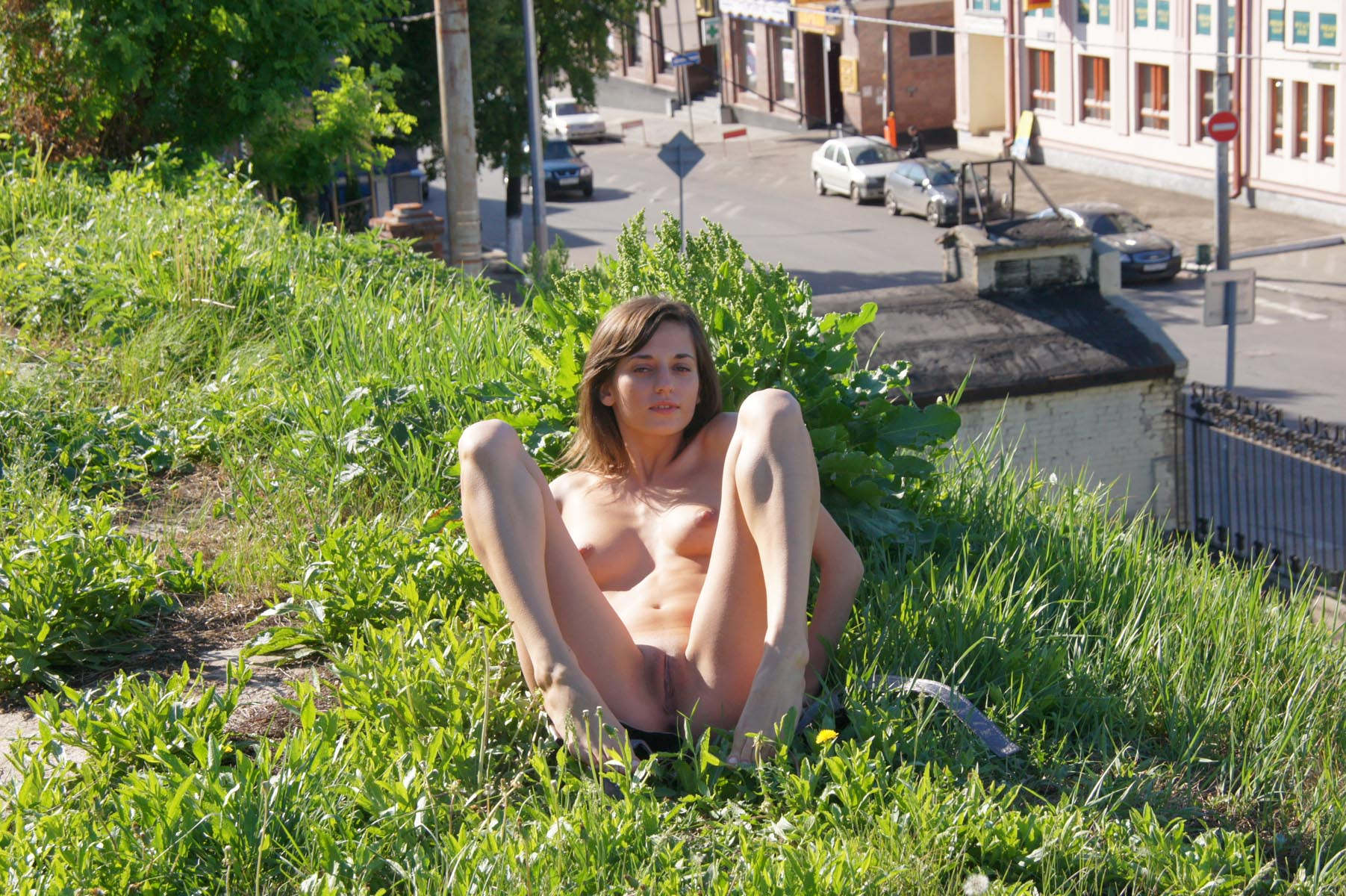 irina-k-naked-in-russia-kazan-nude-public-08
