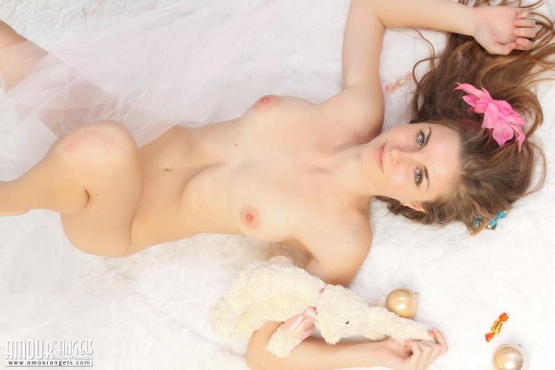 snejana-christmas-tree-naked-amour-angels-12
