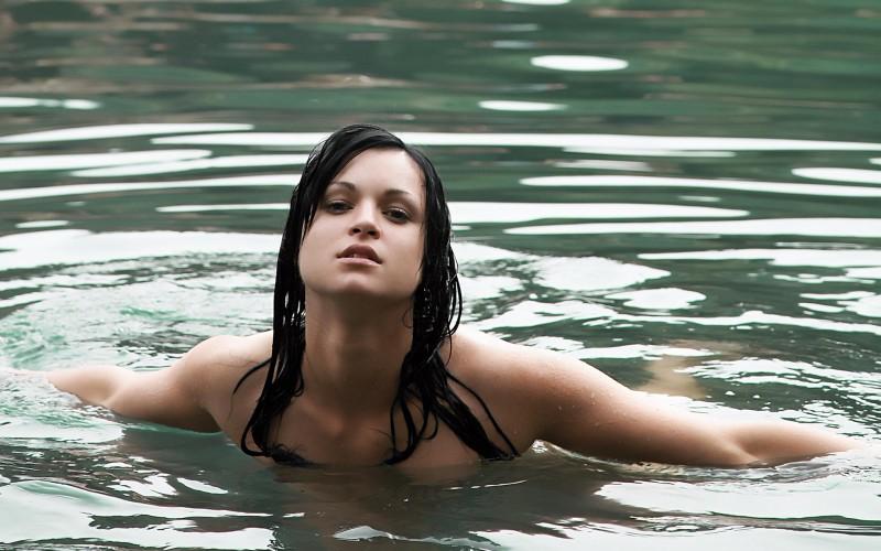 isabel-brunette-lake-06