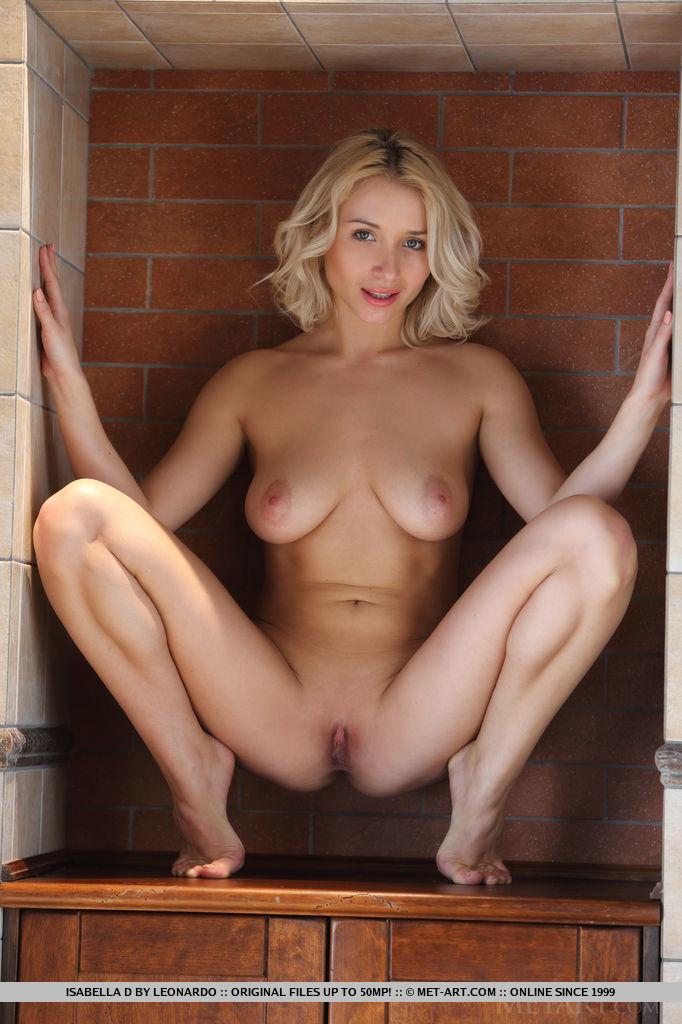 isabella-d-bathrobe-boobs-metart-10