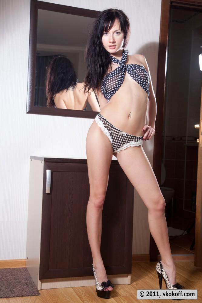 iva-brunette-skokoff-03
