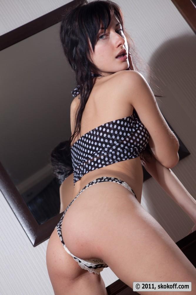 iva-brunette-skokoff-06