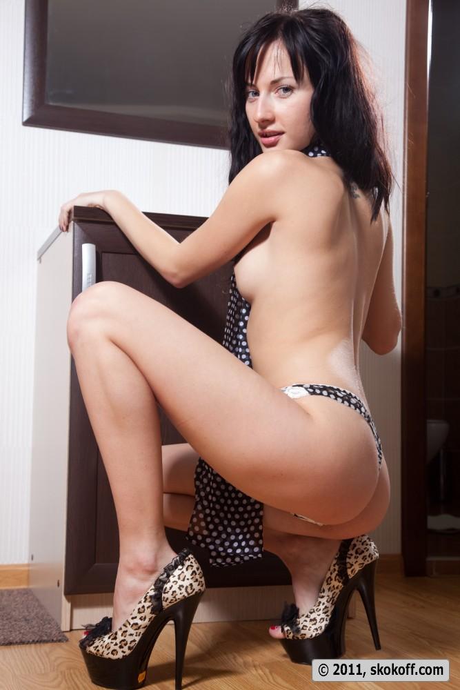 iva-brunette-skokoff-11