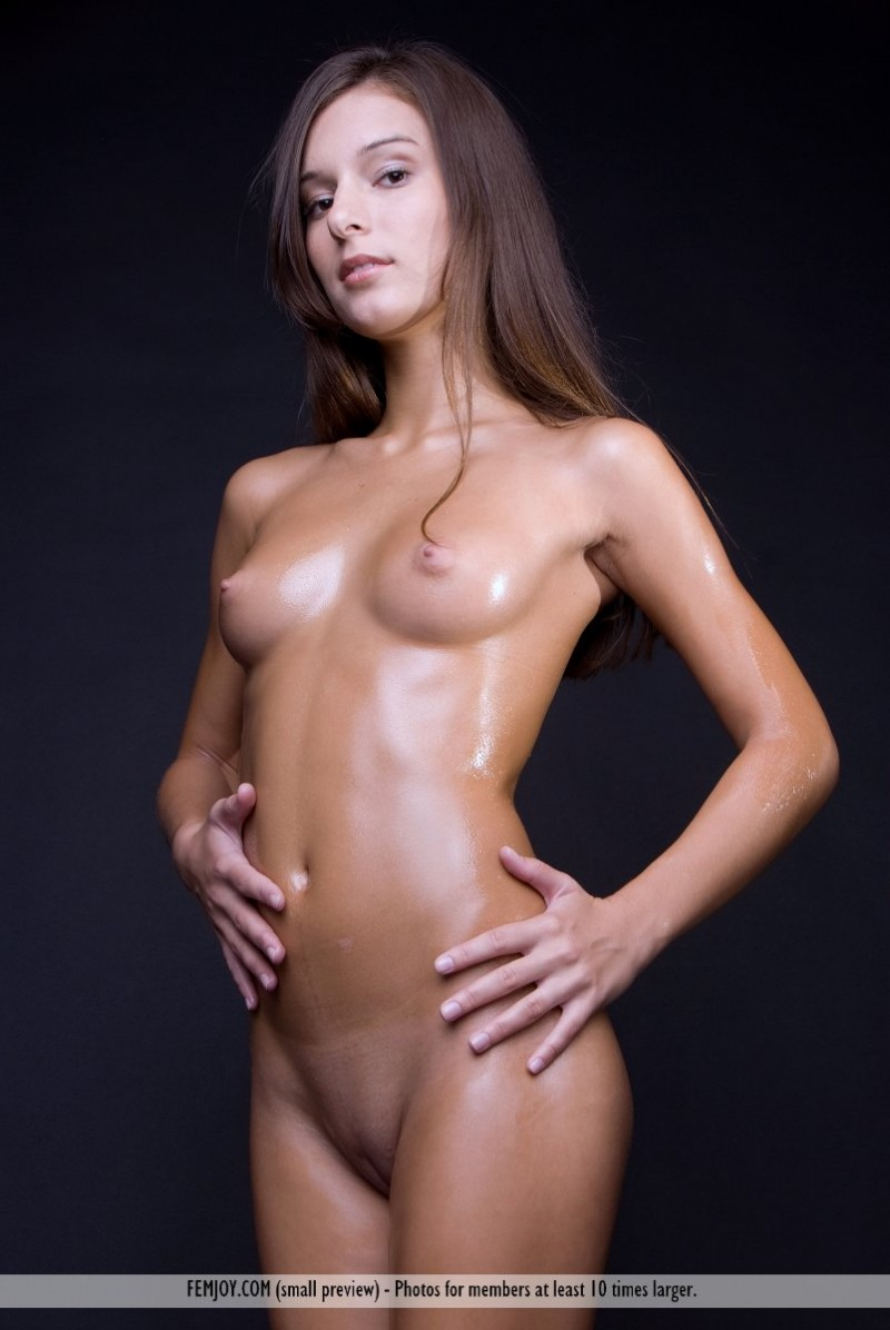 nude oily girl photoshoot