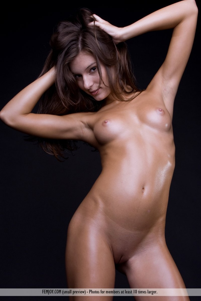 Sexy oily body nude sex can read