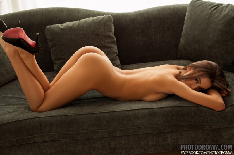 jackie-couch-naked-photodromm-09