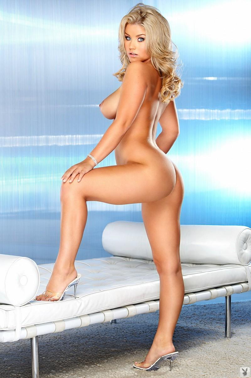 jamie-bradford-nude-for-playboy-07