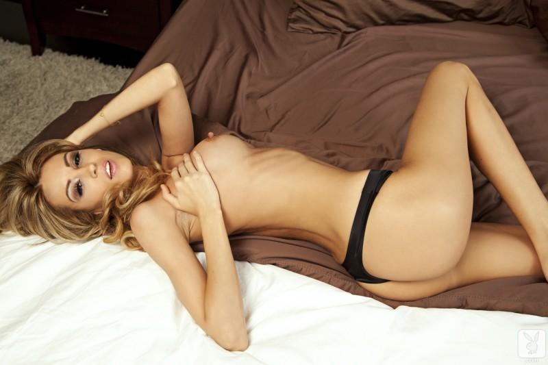 jamie-michelle-nude-bedroom-playboy-10