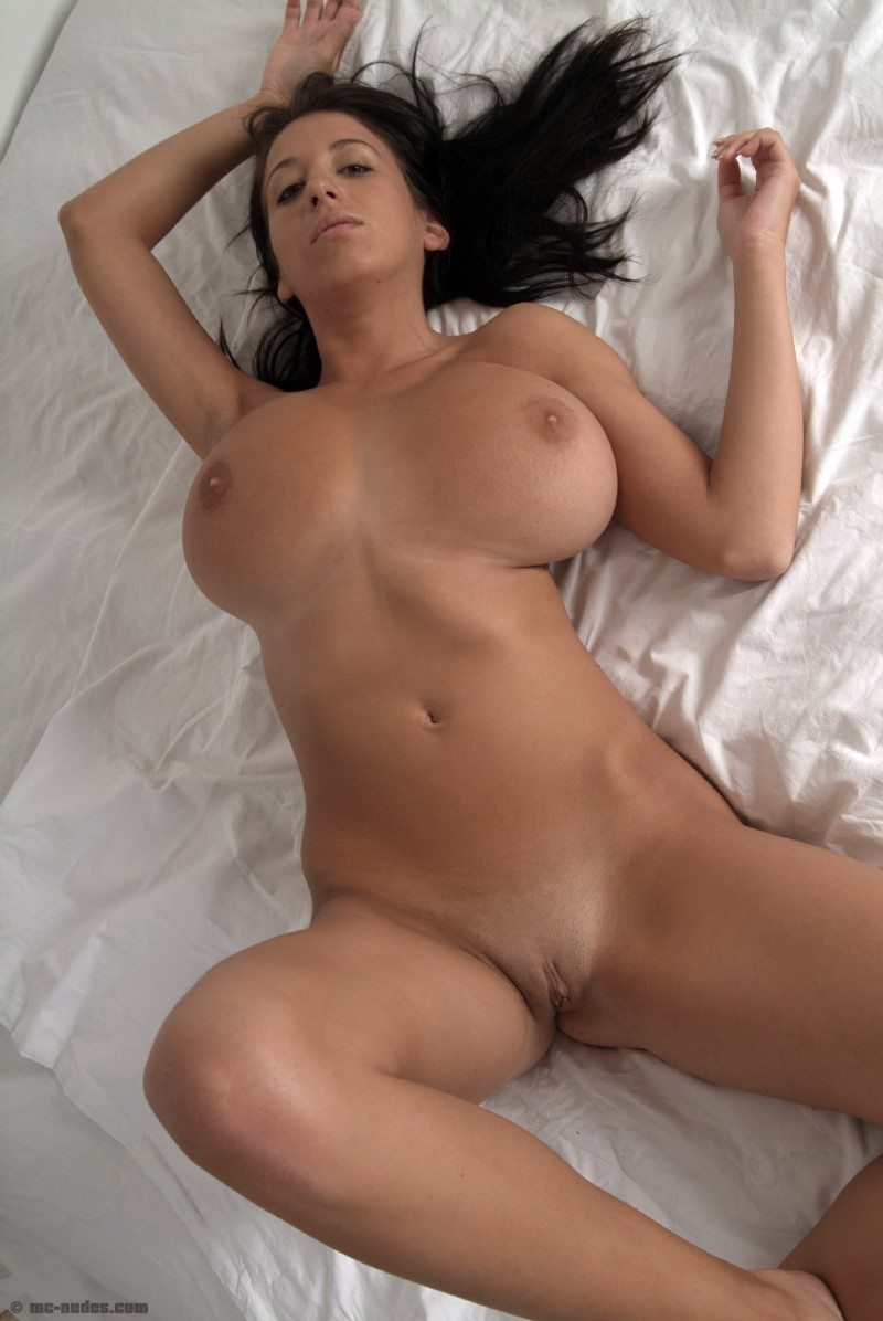 princessa-natural-big-boobs-bedroom-mcnudes-05