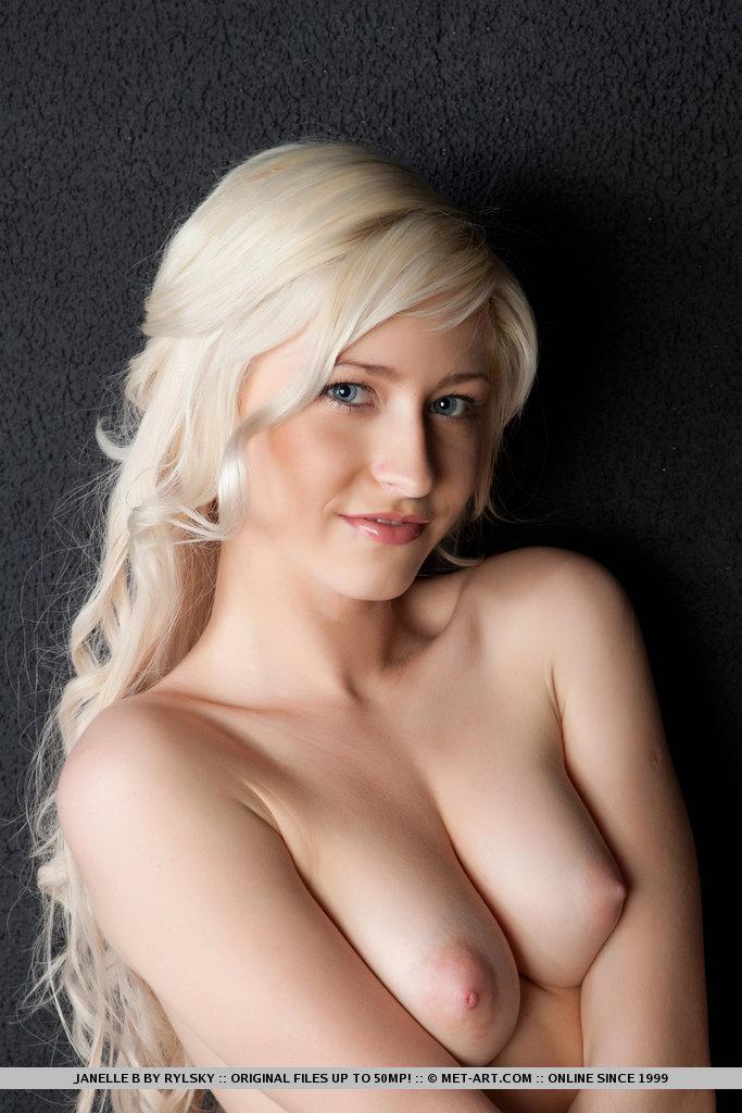 Janelle nude — img 12