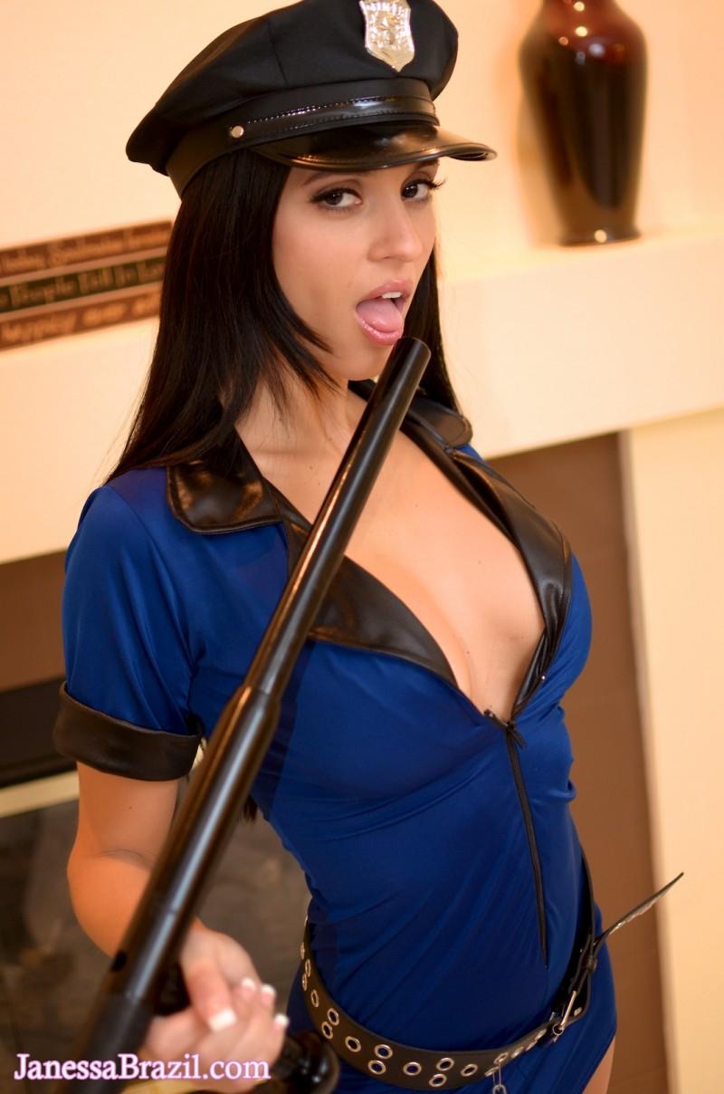 janessa-brazil-policewoman-costume-nude-04