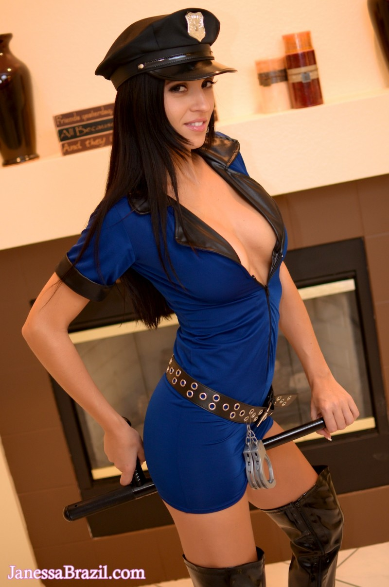 janessa-brazil-policewoman-costume-nude-05