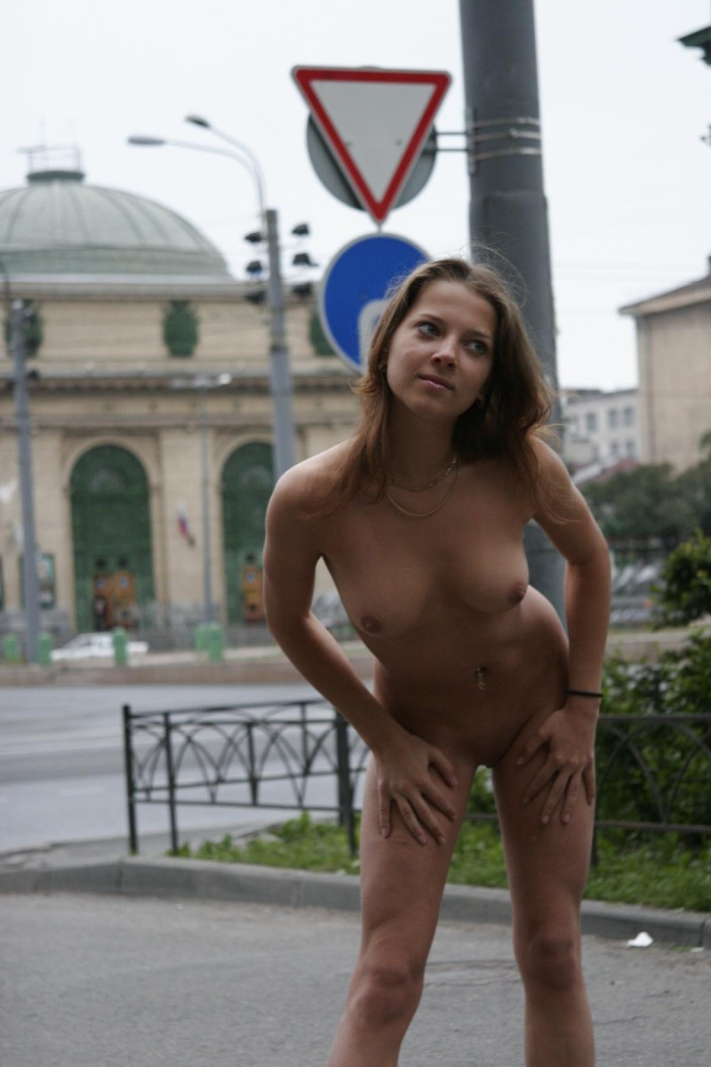 janina-st-petersburg-nude-in-russia-06