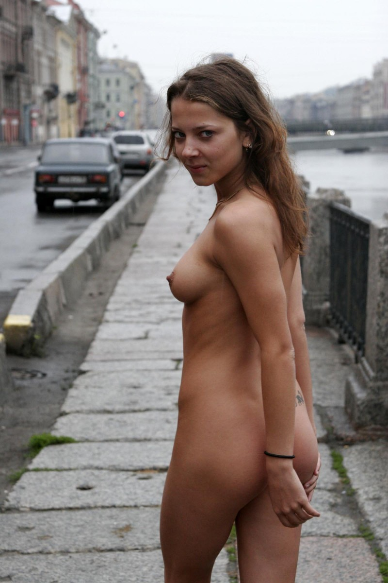 janina-st-petersburg-nude-in-russia-21