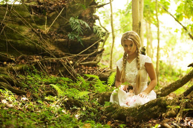 http://redbust.com/stuff/jannah-burnham-lost-in-the-woods/jannah-burnham-woods-blonde-pigtails-naked-mystique-magazine-01-800x533.jpg
