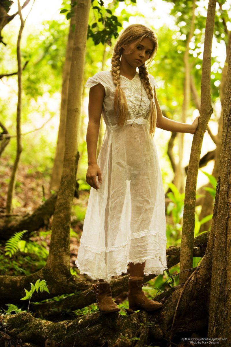 http://redbust.com/stuff/jannah-burnham-lost-in-the-woods/jannah-burnham-woods-blonde-pigtails-naked-mystique-magazine-03-800x1202.jpg