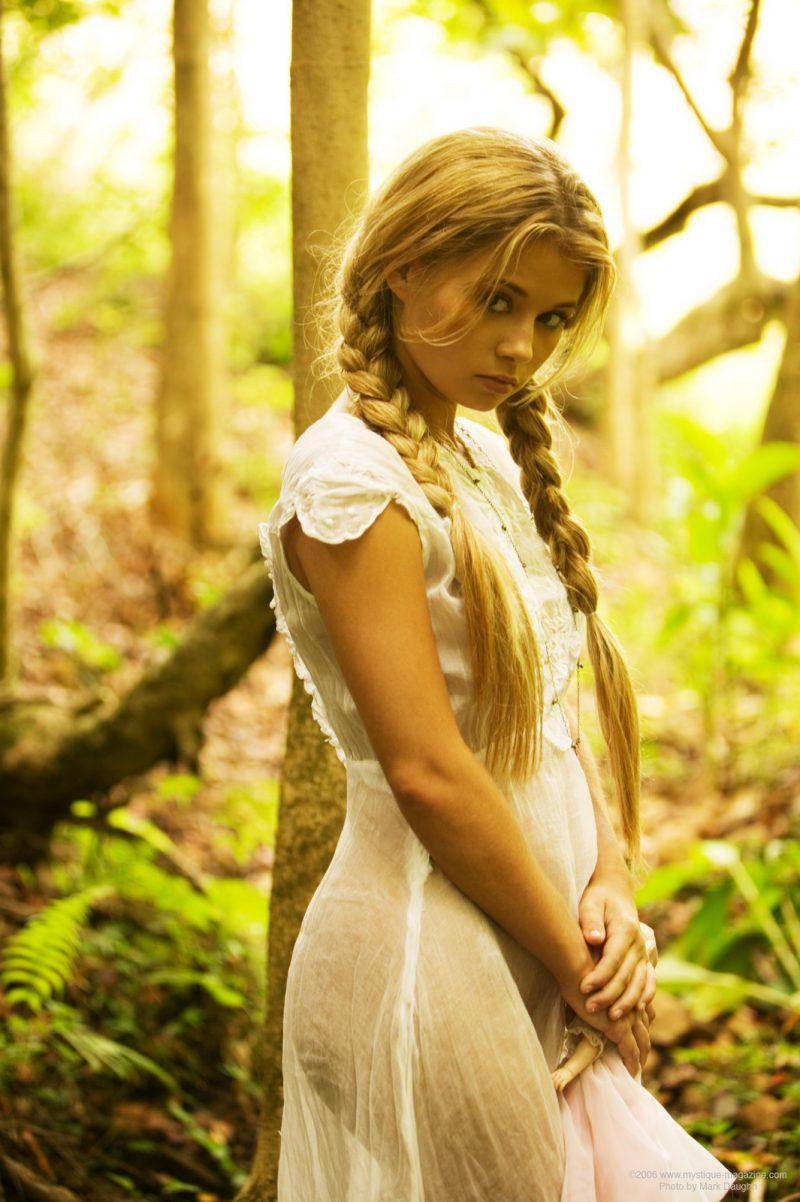 http://redbust.com/stuff/jannah-burnham-lost-in-the-woods/jannah-burnham-woods-blonde-pigtails-naked-mystique-magazine-04-800x1202.jpg