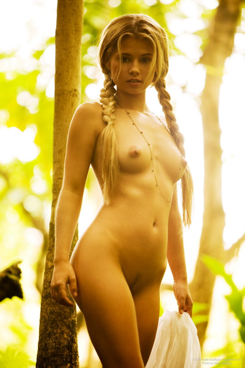 MystiqueMagazine – Jannah Burnham – Lost in the woods