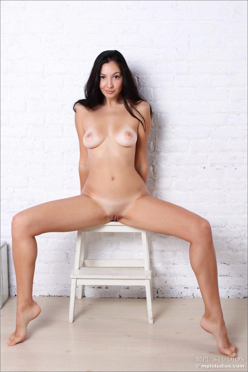 jasmin-brunette-nude-mplstudios-05