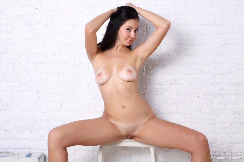 jasmin-brunette-nude-mplstudios-06