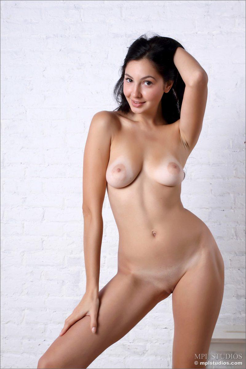 jasmin-brunette-nude-mplstudios-10