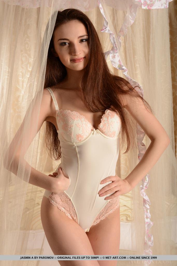 jasmin-a-bodysuit-nude-bedroom-metart-01