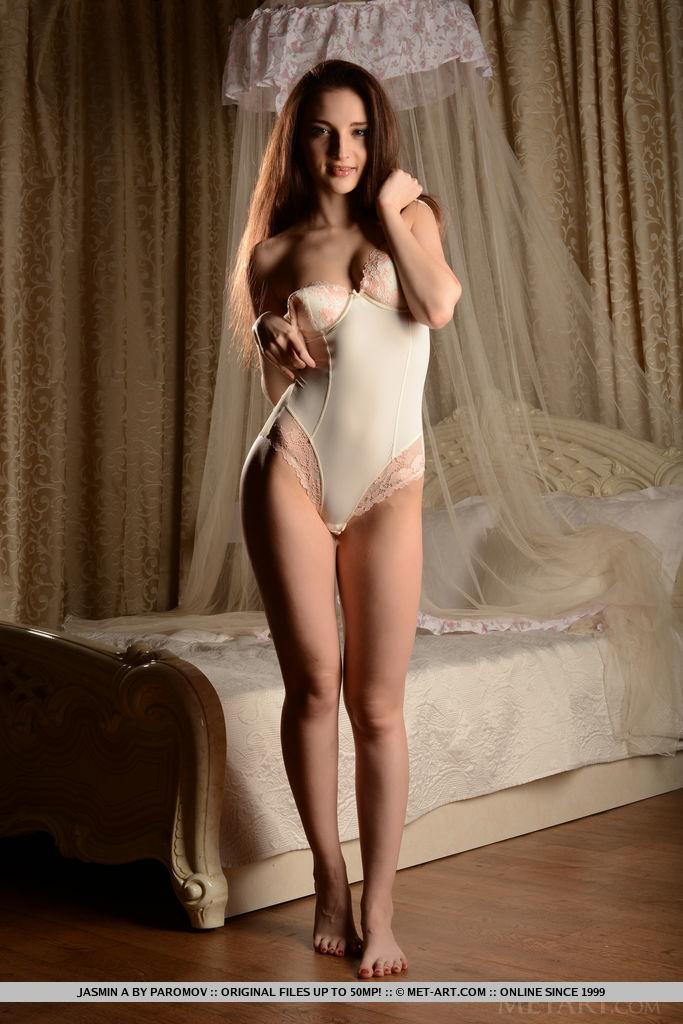 jasmin-a-bodysuit-nude-bedroom-metart-05