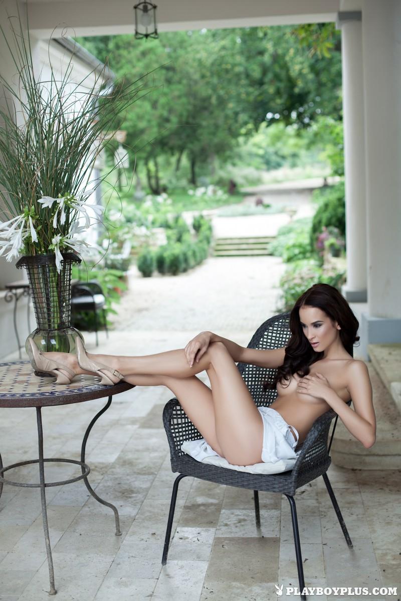 jasmin-nude-white-nighty-playboy-05