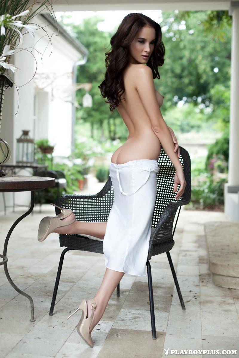 jasmin-nude-white-nighty-playboy-08