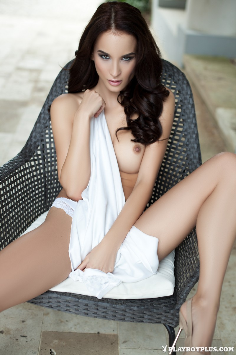jasmin-nude-white-nighty-playboy-09
