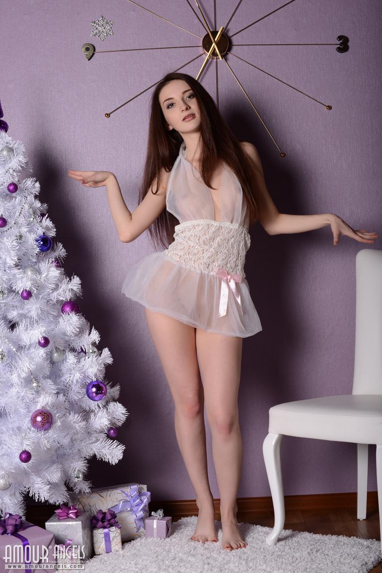 jasmin-christmas-tree-nighty-nude-girl-amourangels-02