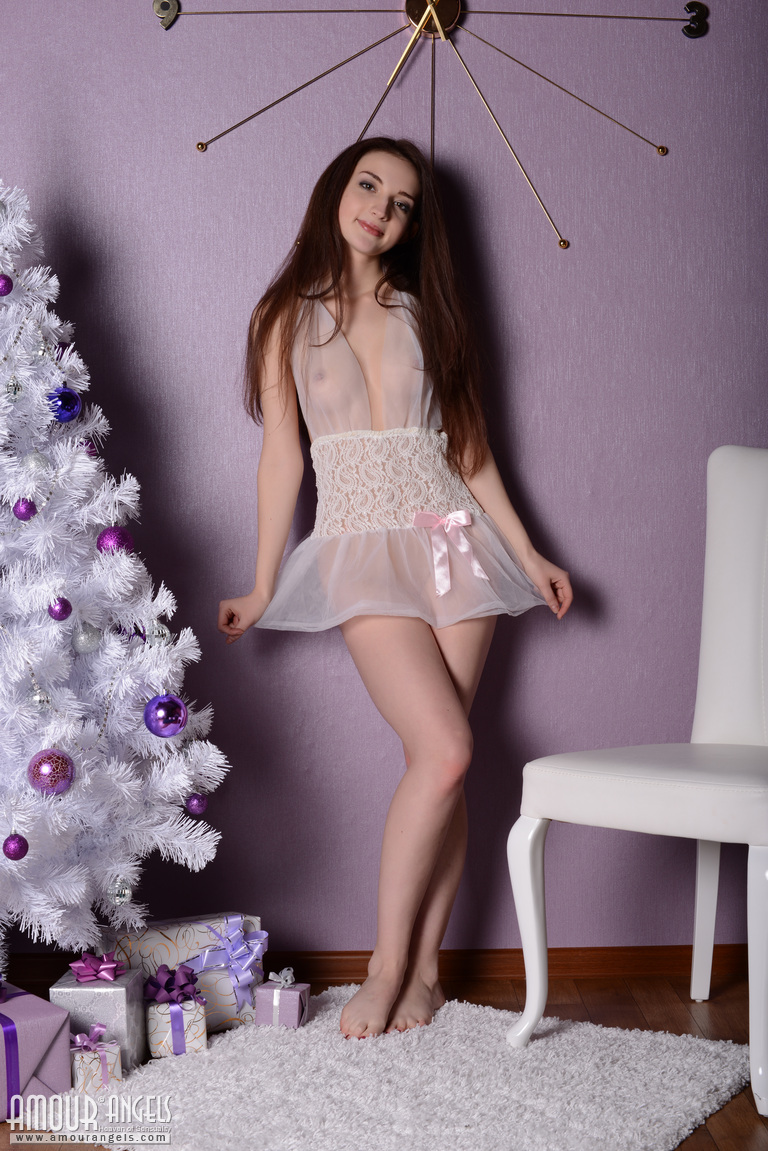 jasmin-christmas-tree-nighty-nude-girl-amourangels-03