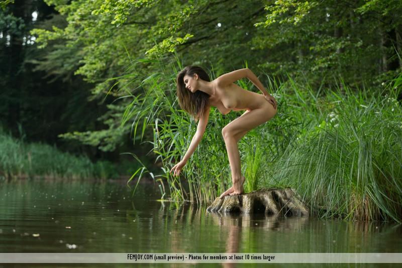 jasmine-a-nude-lake-femjoy-07