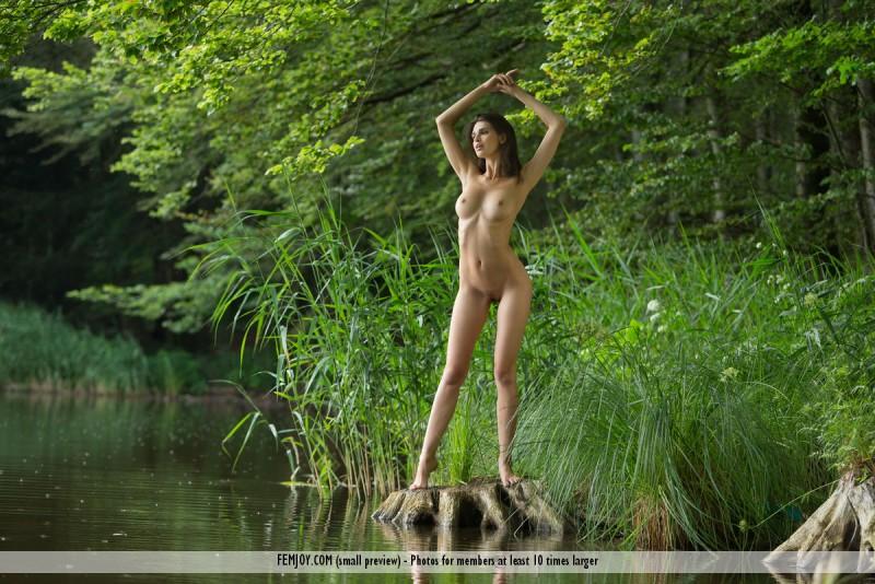 jasmine-a-nude-lake-femjoy-09