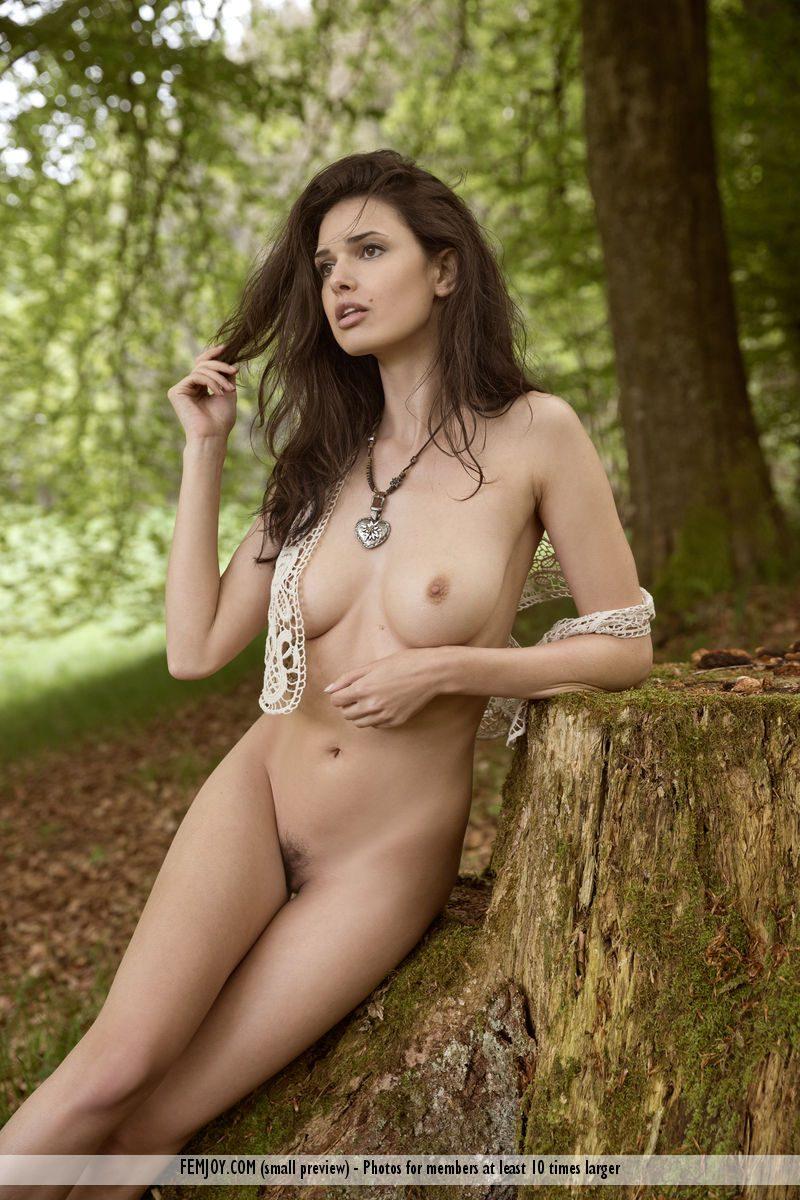jasmine-a-forest-naked-femjoy-04