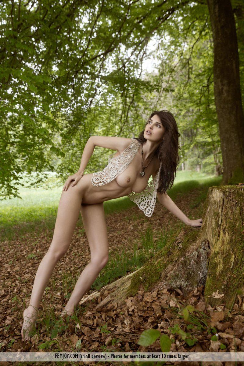 jasmine-a-forest-naked-femjoy-06