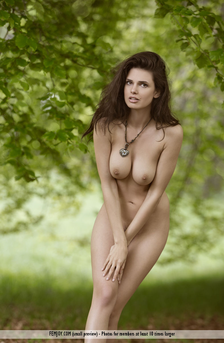 jasmine-a-forest-naked-femjoy-16