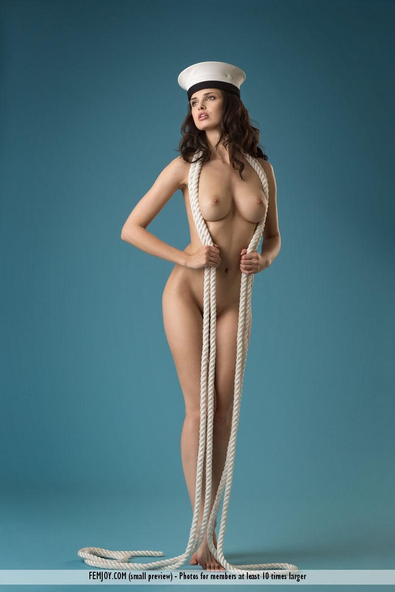 jasmine-a-naked-sailor-femjoy-04