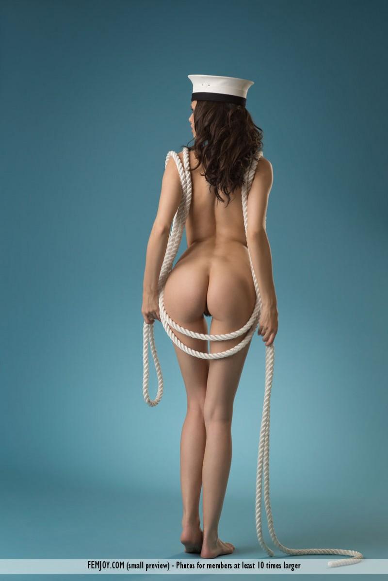 jasmine-a-naked-sailor-femjoy-05