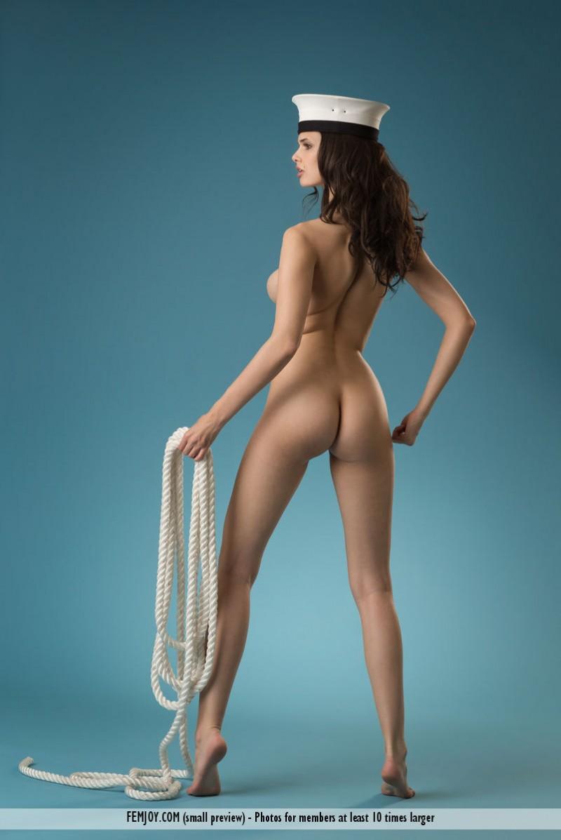 jasmine-a-naked-sailor-femjoy-07