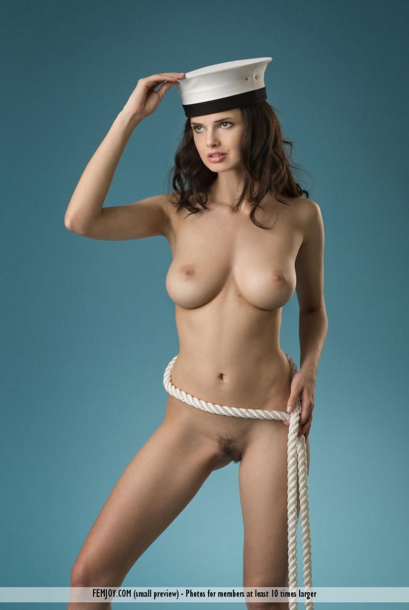 jasmine-a-naked-sailor-femjoy-09