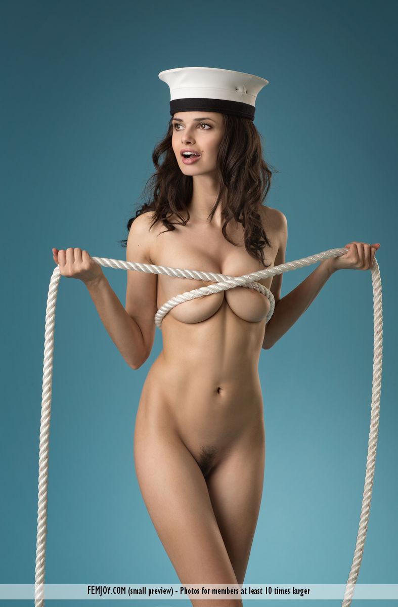 jasmine-a-naked-sailor-femjoy-10