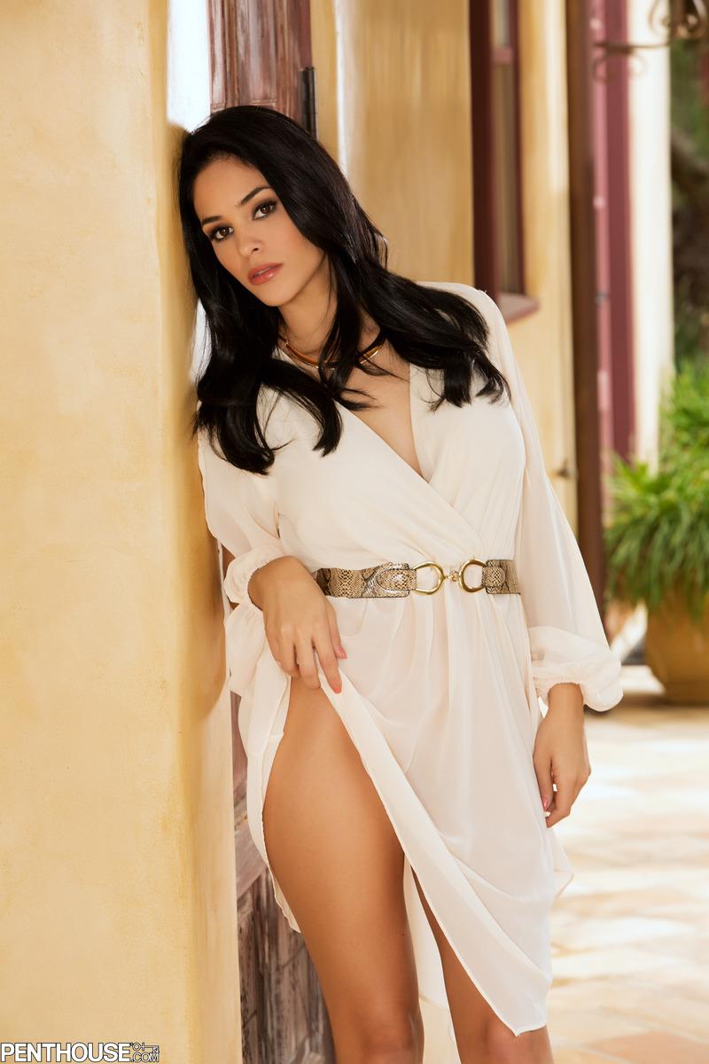 jasmine-caro-naked-high-heels-penthouse-02