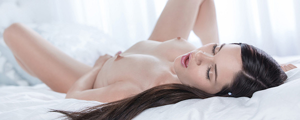 Jenna Ross naked on bed