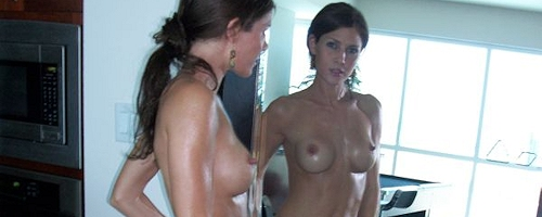 Jenni Lee in front of mirror