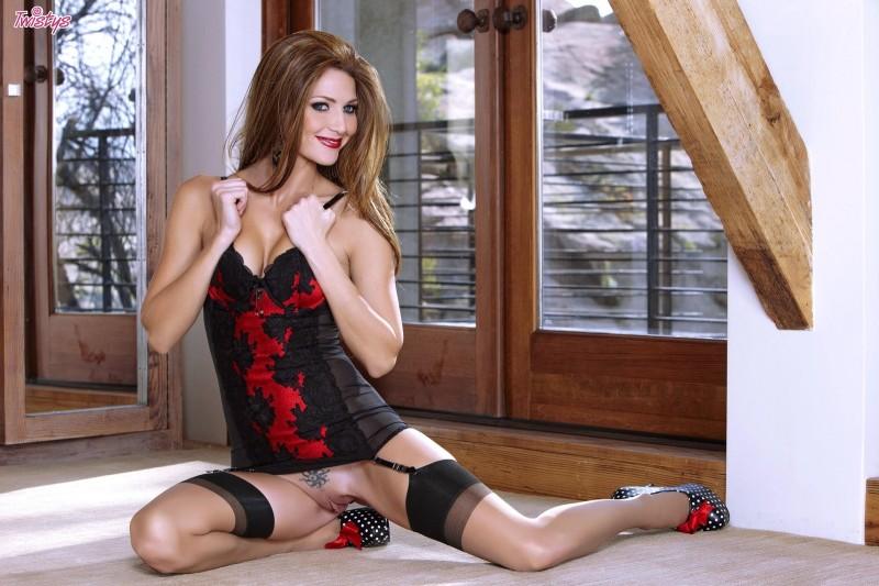 jenny-lee-stockings-dildo-twistys-06