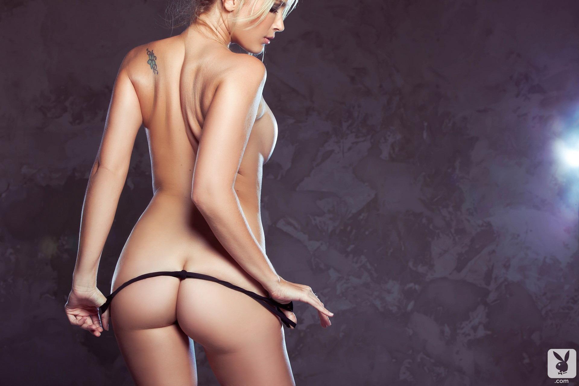 jenni-lynn-glasses-nude-playboy-10