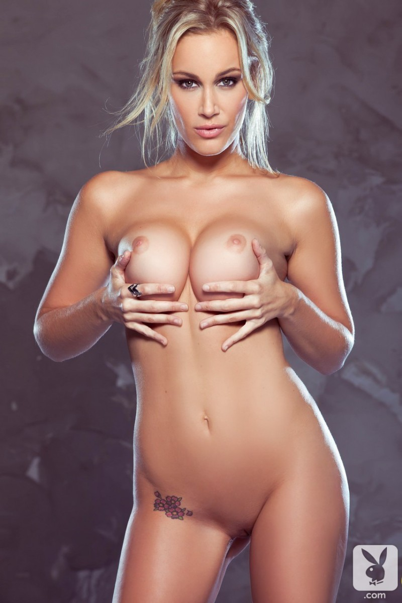 jenni-lynn-glasses-nude-playboy-15
